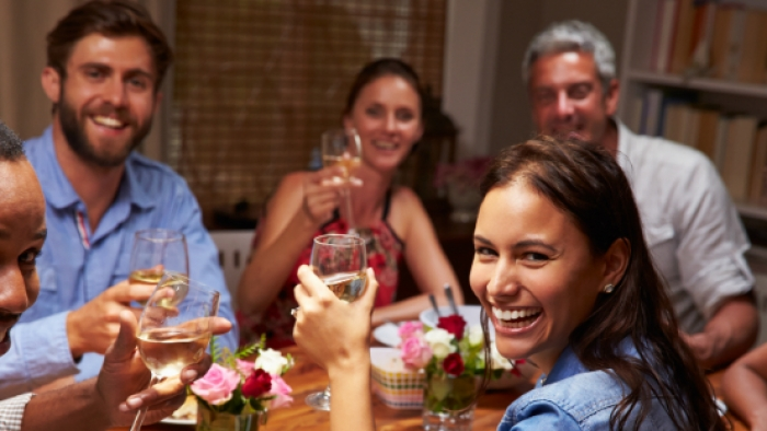 Como_montar_um_jantar_para_amigos_com_cara_de_restaurante_famoso.jpg.jpeg